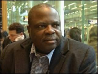 Hukumar EFCC na bincikar Amos Adamu na hukumar kwallon kafa ta duniya