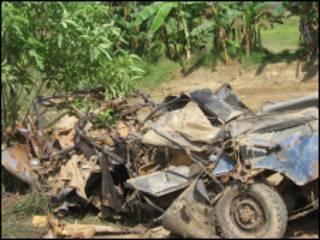 नक्सल विस्फोट में उड़ाई गई पुलिस की एक गाड़ी (फ़ाइल फ़ोटो)