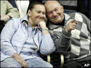 Юрий Лужков и его жена Елена Батурина на теннисном матче