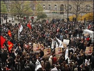 متظاهرون في باريس