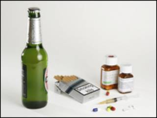 Пиво, сигареты, героин