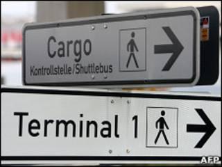 Вывеская а аэропорту
