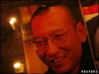 Manifestação pró-Xiaobo em Hong Kong, em novembro (Foto: Reuters)