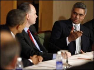 """اوباما ورئيسا """"بوينج"""" و""""سبايس جت"""" في اجتماع بمومباي"""