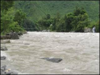 त्रिशुली नदी