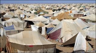 مخيم المحتجين قرب العيون