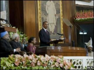 Obama em discurso no Parlamento indiano