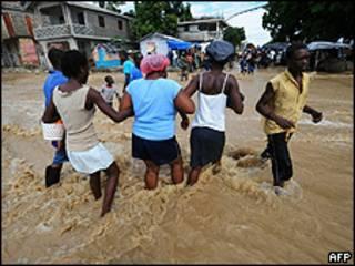 Enchente em Leogane, perto de Porto Príncipe