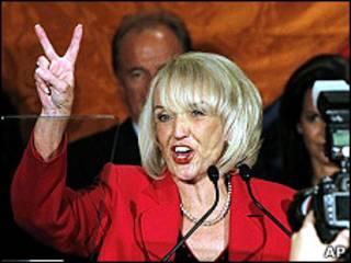 Gobernadora de Arizona, Jen Brewer.