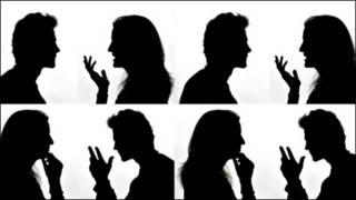 تصویری سایه روشن از مشاجره یک زن و مرد