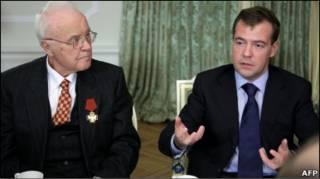Медвєдєв запевнив журналістів у намірах влади захистити їх