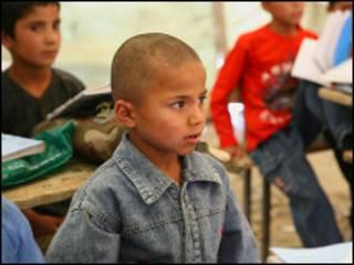 Мальчики в школе в Афганистане