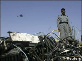 حطام طائرة استطلاع امريكية قرب جلال آباد