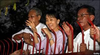 Aung San Suu Kyi tras su liberación