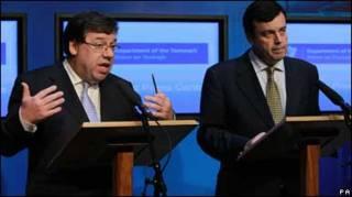 Голова ірландського уряду Браян Коуен і міністр фінансів Браян Леніган