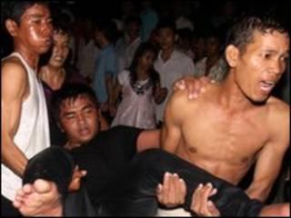 柬埔寨金邊人群踩踏事件