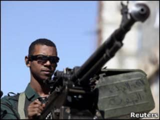 أحد أفراد الشرطة اليمنية