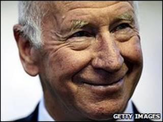 英格兰足坛的传奇人物波比·查尔顿