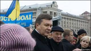 Президент Янукович зустрівся з підприємцями на Майдані