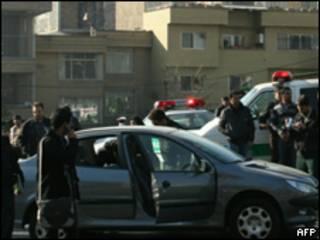 تصویری از اتومبیل فیزیکدان ایرانی که به آن سوء قصد شد