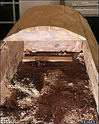 Ataúd del supuesto asesino de John F. Kennedy, Lee Harvey Oswald