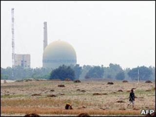 Завод про производству тяжелой воды в городе Хешаб