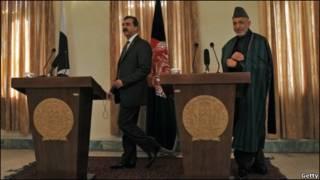 حامد کرزی و رضا گیلانی در کنفرانس خبری در کابل