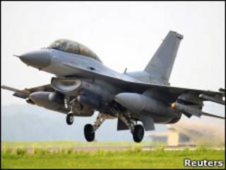 Южнокорейский боевой самолет (архивное фото)
