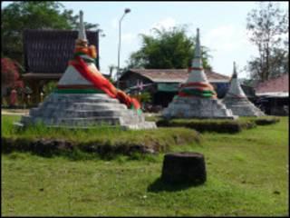 three_pagodas_pass