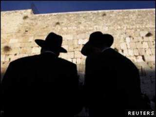 Judeus ultraortodoxos em Jerusalém