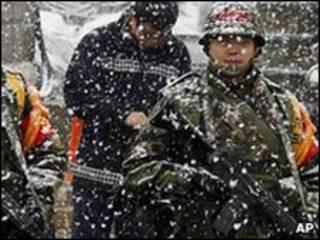 Quân lính Nam Hàn trên đảo Yeonpyeong