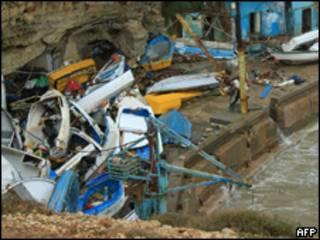 Barcos destruídos no Líbano