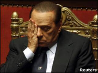 Berlusconi durante sessão no Senado nesta terça-feira