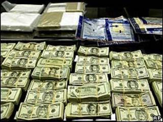 Dólares (foto archivo)