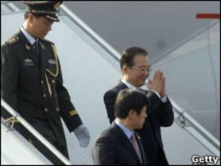 Премьер-министр Китая прибыл в Дели