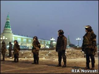 Милицейское оцепление вокруг Манежной площади