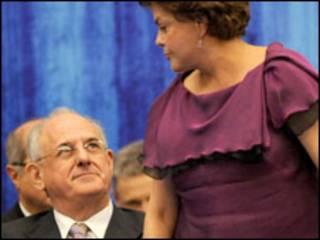 Dilma Rousseff e o ministro Nelson Jobim. Agência Brasil