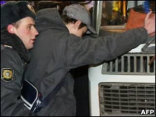 Обыски участников несанционированных акций в Москве