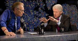 "Entrevista a Bill Clinton en 2007 en ""Larry King Live""."
