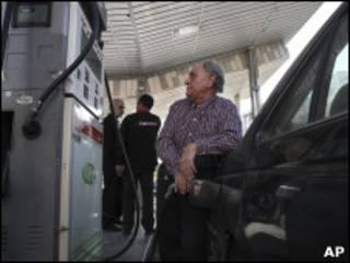 На автозаправочной станции в Иране