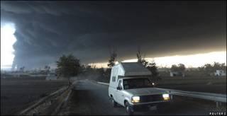 Incendio tras explosión de oleoducto en Puebla