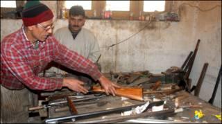 कश्मीर में बंदूक उद्योग