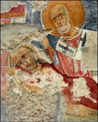 Fresco de San Nicolás con la toga roja y la barba blanca en la iglesia de Myra. Foto: Myra-Andriake Excavations Archive.