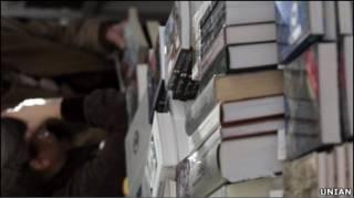 Наразі невідомо, які саме книги вилучили