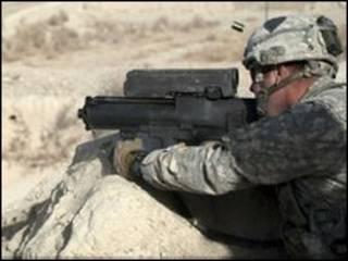 جندي من قوات الناتو