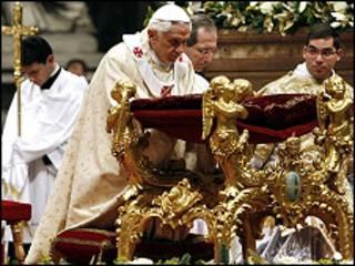 Đức Giáo hoàng Biển Đức XVI kêu gọi hòa bình tại những nơi xung đột trên thế giới