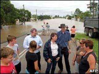 Moradores tiveram de ser evacuados em Theodore