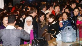 英國百貨公司內的中國顧客