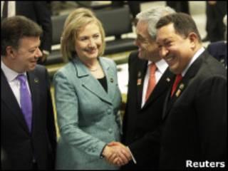 Уго Чавес и Хиллари Клинтон