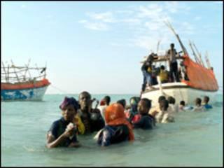 Lực lượng tuần duyên Yemen tìm thấy ba người Somali còn sống